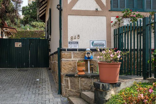 Uma casa com jeito alemão, na Mateus Leme - detalhe