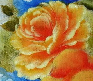 como-pintar-rosa-em-tecido