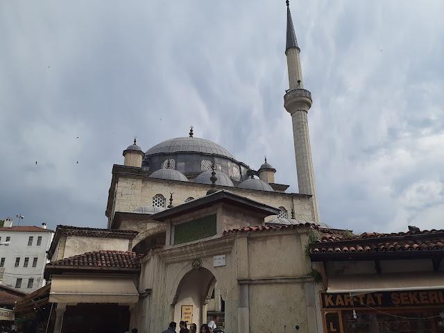 İzzet Mehmet Paşa Camii