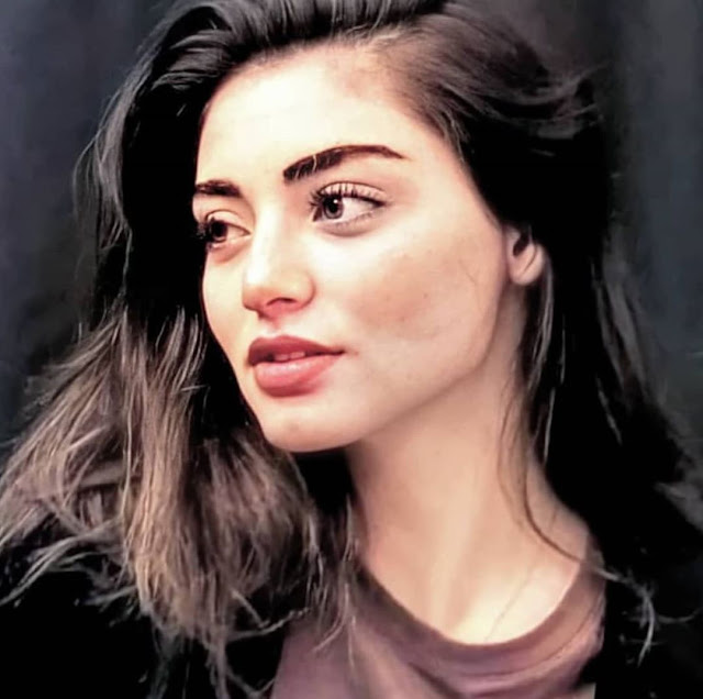 sexy Ozge Torer Pics