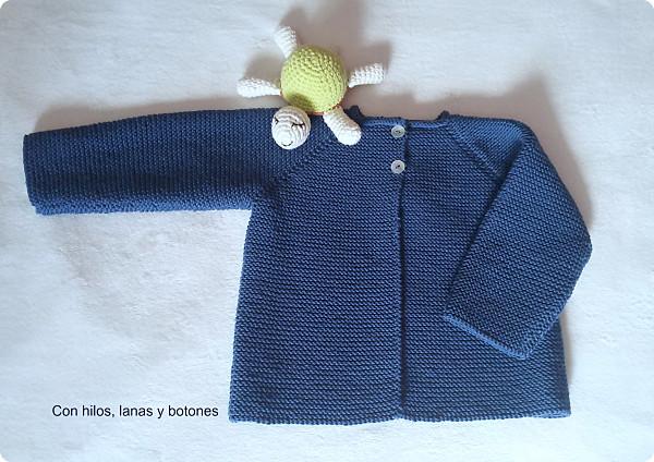 Chaqueta punto bobo para bebé paso a paso | Con hilos, lanas y botones