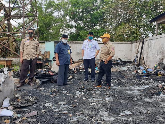 Pemkab Muba Berikan Bantuan Kepada Warga Balai Agung Korban Kebakaran