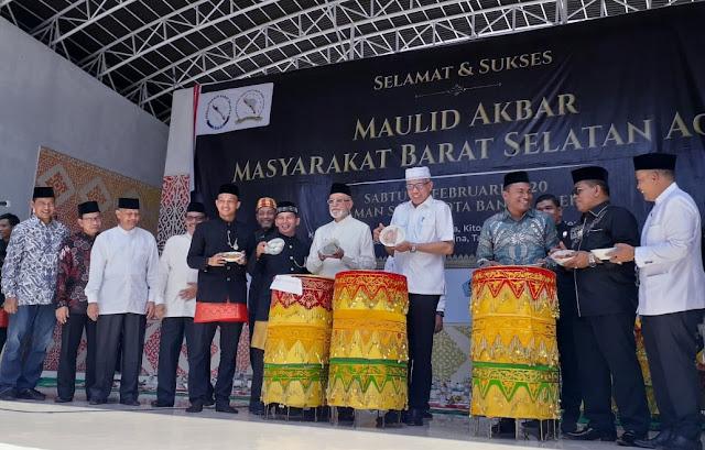Masyarakat Barat Selatan Aceh Gelar Maulid Akbar di Taman Sari Banda Aceh