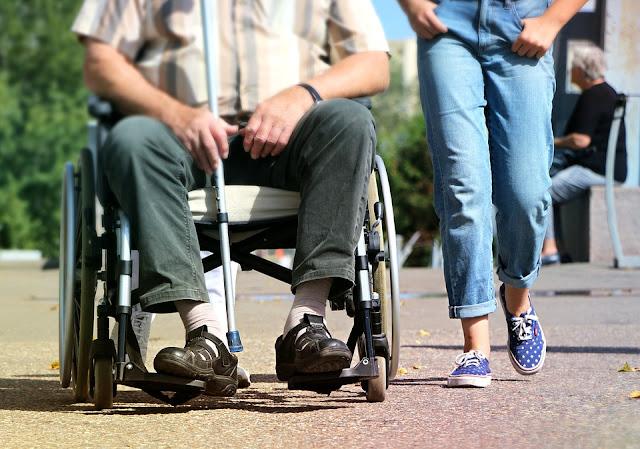 carrozzina-disabile-barriere architettoniche
