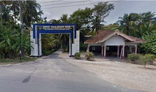 Balai Pertemuan - Gerbang masuk TPI Laut Anakan Sidomulyo Pacitan