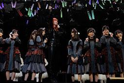 Collaboration stage Hiragana Keyakizaka46 & Kyari Pamyu Pamyu