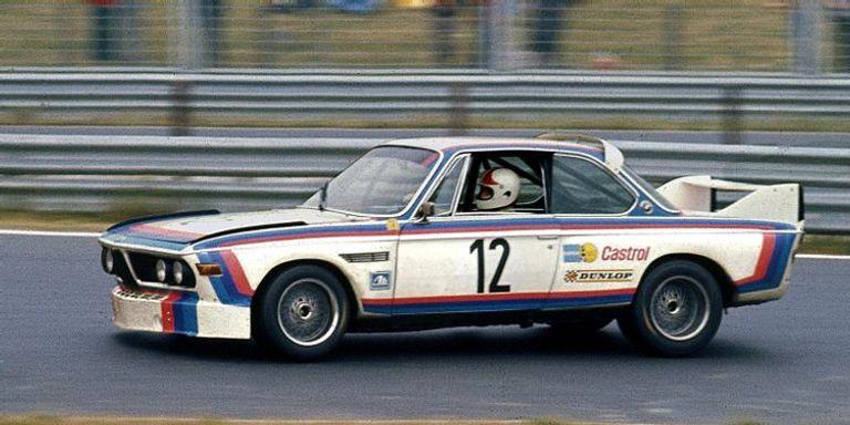 """طراز 3.0 CSL الذي شارك في سباقات رالي الستينيات وحقق انتصارات في سباقات """"لومان 24 ساعة"""" في السبعينيات."""
