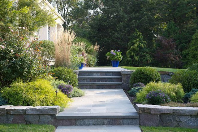 8 Private Villa Garden Design Tips to Make Your Villa Garden Look More Open