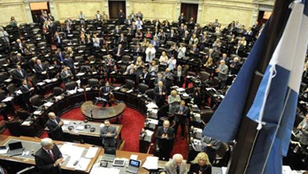 Diputados argentinos apoyarán en EE.UU. causa contra fondos buitre