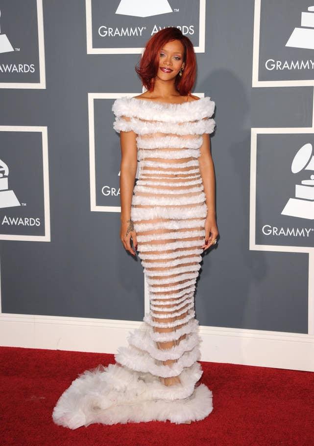 Rihanna (2011).