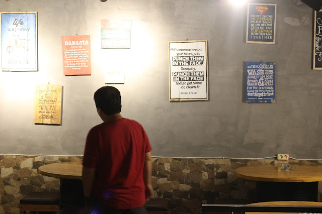 Dialogue, Eat Drink Socialize