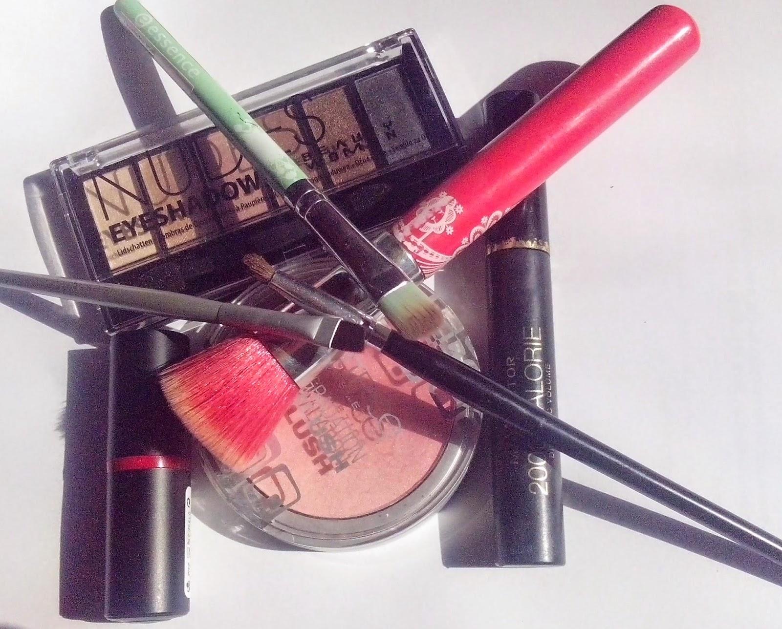 IMG_20150314_111243FOTD-essence-dare-to-wear-lipstick-catrice-gradation-blush-maxfactor-2000-calorie-mascara-beauty-women-nudes-eyeshadow-tedi-coastal-scents-essence-bloom-me-up-natventurista-brushes-eye