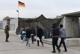 http://www.lemonde.fr/europe/article/2016/11/15/en-allemagne-une-etude-contredit-les-discours-anxiogenes-sur-les-refugies_5031744_3214.html