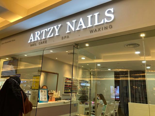 Manjakan Kuku Tangan & Kaki di Salun Artzy Nails