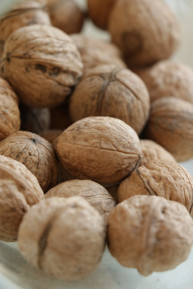 Your FAQs on Eating Nuts