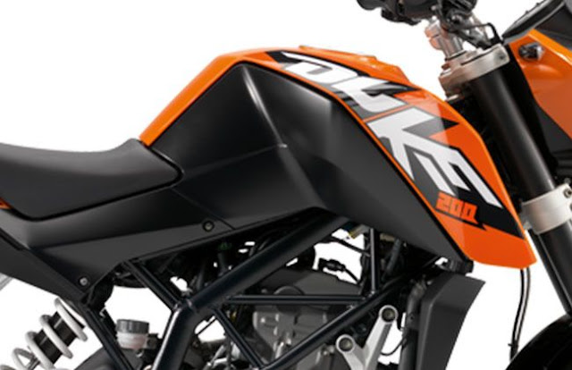 KTM 200 Duke fuel tank image