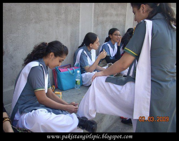 Pakistani Girls Pictures Gallery Desi School Girl Uniform-5818