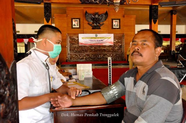 Pemkab Trenggalek Berikan Terapi Pemulihan Trauma Pedagang Pasar Pon