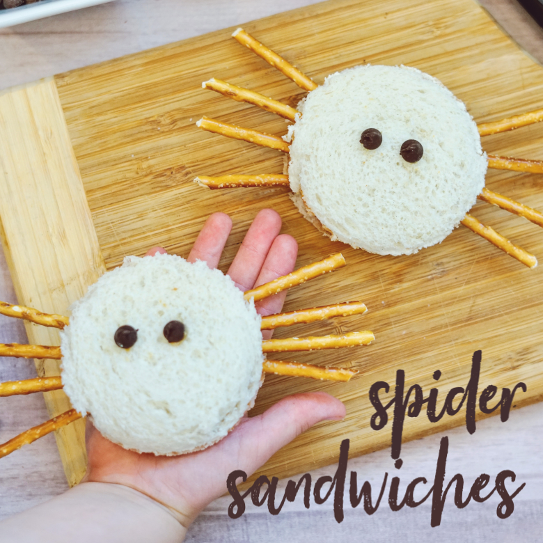 Easy halloween treats for kids - spider sandwich