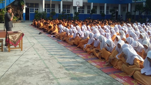 Delma Putra Motivasi Siswa SMP N 15 Padang
