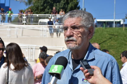 O corpo do prefeito Herzem Gusmão Pereira, que faleceu nessa quinta-feira (18), no Hospital Sírio-Libanês, em São Paulo, chegará ao Aeroporto Glauber Rocha, por volta das 10 horas deste sábado (20).