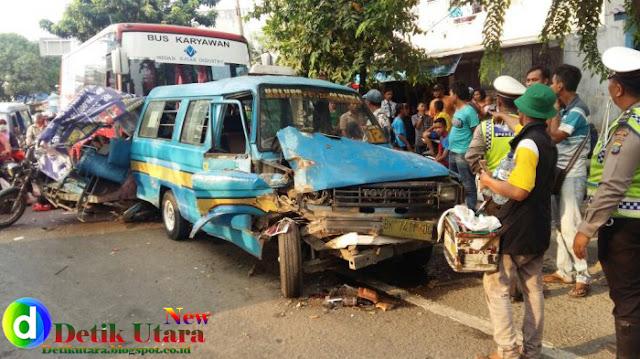 DETIK UTARA, Tabrakan Beruntun Dua Mobil Ringsek, Penyebabnya Ternyata Cerita Lama