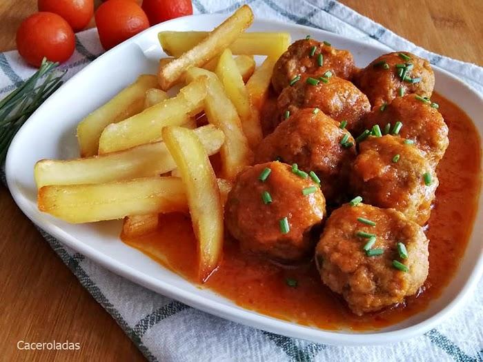 Albóndigas sin freír con salsa de tomate - Mas fáciles y mucho mas rápidas