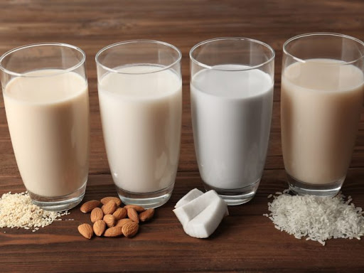 types of milk, different types of milk and their benefits, badam milk, soya milk, organic milk, cow milk benefits, 10 benefits of milk, benefits of buffalo milk, goat milk benefits, milk benefits in marathi, दुधाचे महत्व, doodh in marathi, milk information in marathi, dudhache prakar