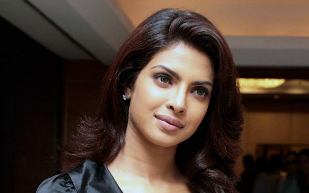 beautiful priyanka chopra full hd photos 1080p hd wallpapers