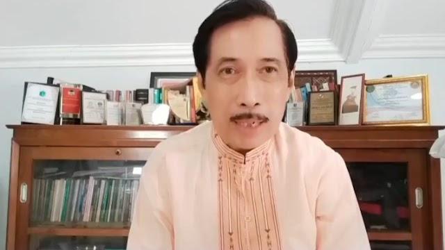 Rajin Ngetwit Soal PSBB, Musni Umar Malah Ngajak Istri Belanja di Mall, Warganet: Tak Konsisten