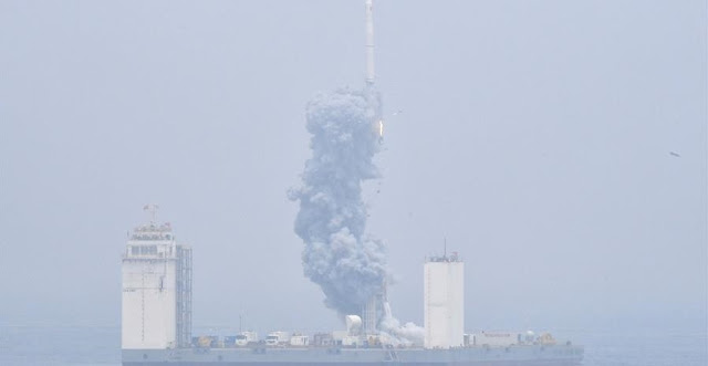 A Long March-11 solid propellant carrier rocket is launched from a mobile launch platform in the Yellow Sea off east China's Shangdong Province, June 5, 2019. China successfully launched a rocket from a mobile launch platform in the Yellow Sea off Shandong Province on Wednesday, sending two technology experiment satellites and five commercial satellites into space. A Long March-11 solid propellant carrier rocket blasted off at 12:06 p.m. from the mobile platform. It is China's first space launch from a sea-based platform and the 306th mission of the Long March carrier rocket series. (Xinhua/Zhu Zheng)