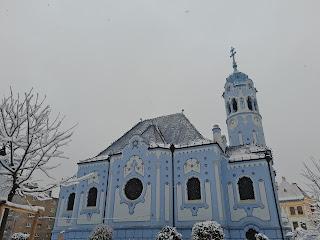 iglesia azul bratislaba nevado