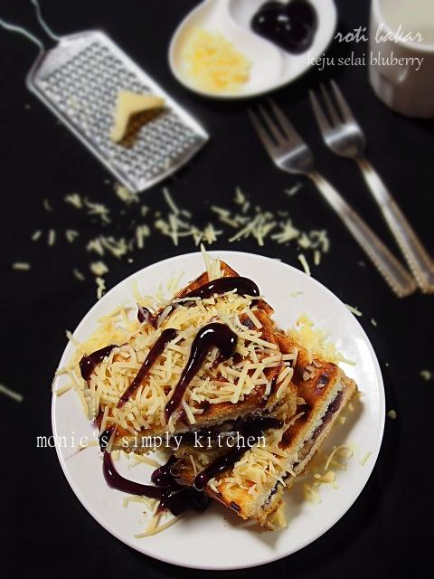 roti bakar keju selai blueberry