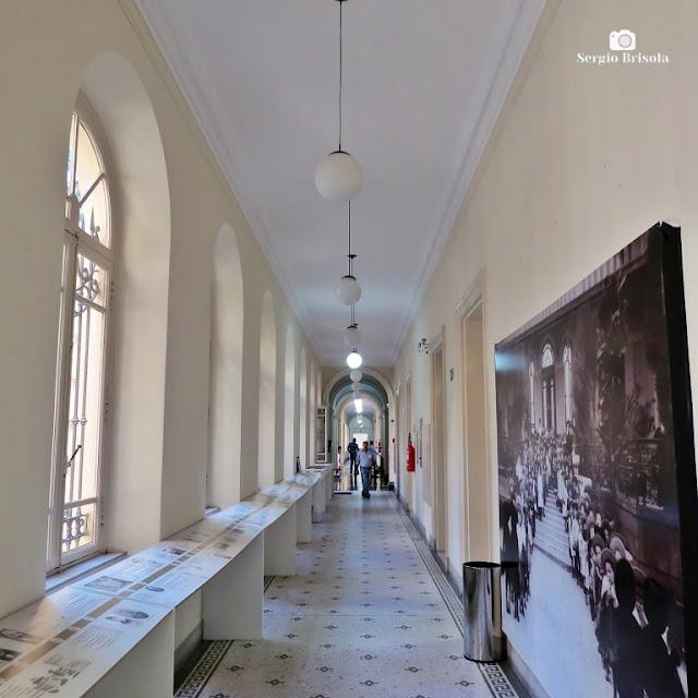 Vista ampla do Corredor interno da Casa Caetano de Campos - República - São Paulo