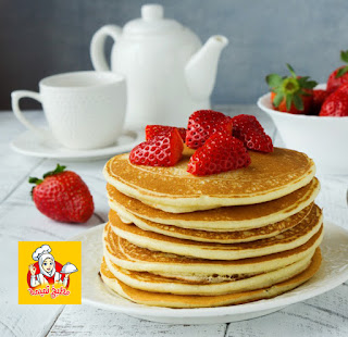 وصفة البان كيك بالفراوله والموز لفطارك انتى وأسرتك