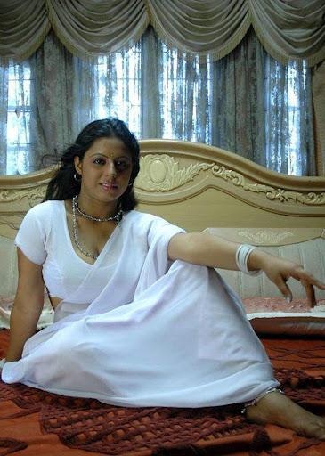 South Hot Actress Sunakshi Spicy White Saree Romantic -8967