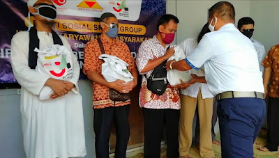 Bantuan Paket Beras untuk Tuna Netra