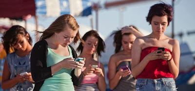 antisocial phone use amongst groups of teens
