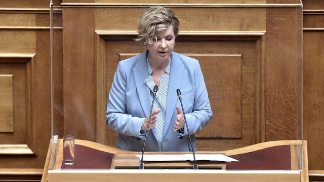 Όλγα Γεροβασίλη στο CNN Greece: Ο Μητσοτάκης φοβάται τους βουλευτές του!
