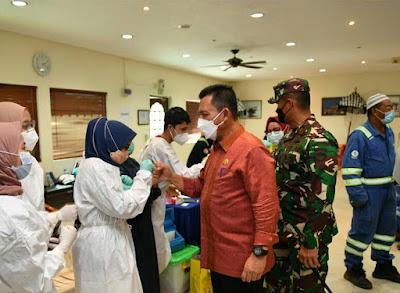 Gubernur Kepri Keliling Batam, Tedata Total 627.827 Warga Divaksinasi