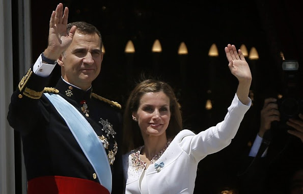 ing Felipe VI and Queen Letizia's official England visit was postponed. Royal Couple of Spain had to cancel that visit because of the political uncertainty in Spain