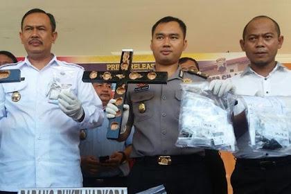 69 paket Narkoba Diselundupkan di Dalam Salib dan Hanger Kayu