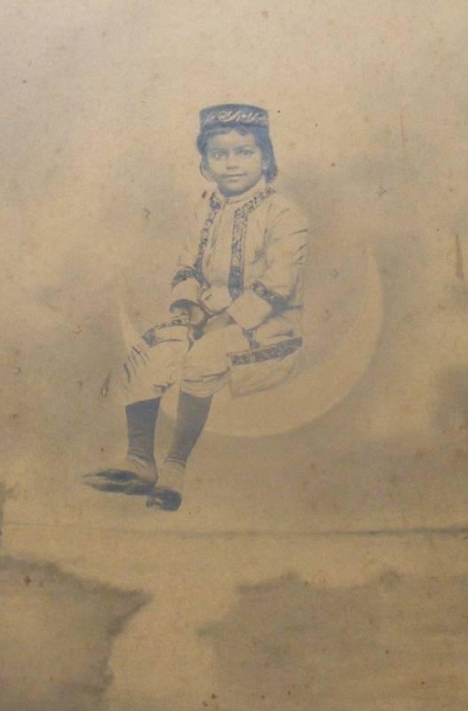 Little Child On A Moon  - India 1930's