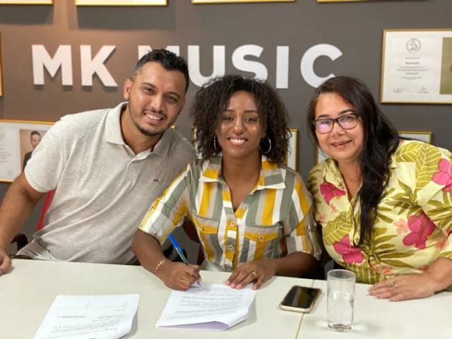 """Priscila de Paula assina com a MK Network: """"Foi profético"""""""