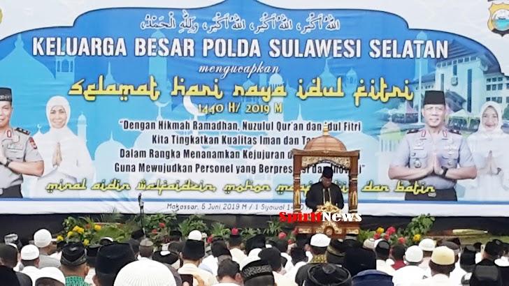 Kapolda Sulsel, Sholat Idul Fitri 1440-H Bersama Umat Muslim Sekitar Mapolda