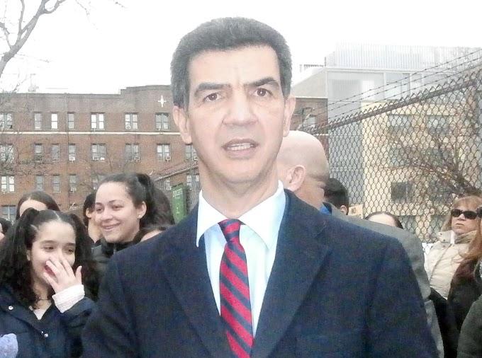 Concejal dominicano oficializa precandidatura para congresista de Estados Unidos en distrito de El Bronx