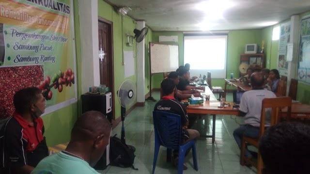 Rapat bulanan Oktober 2020 Tananua Flores : Merefleksi Kembali Kesenjangan Sosial yang terjadi di petani dalam Situasi Pandemi Covid 19