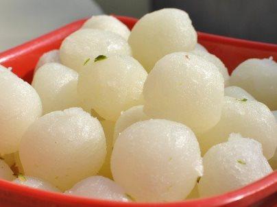 रसगुल्ला रेसिपी | Rasgulla recipe in hindi | Paneer rasgulla