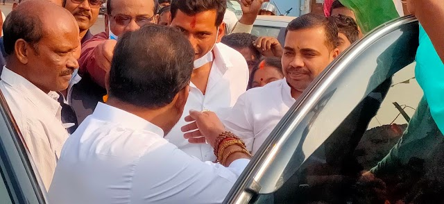लोक स्वास्थ्य यांत्रिकी मंत्री गुरु रूद्र कुमार का दुर्ग जिले में जगह-जगह भव्य स्वागत