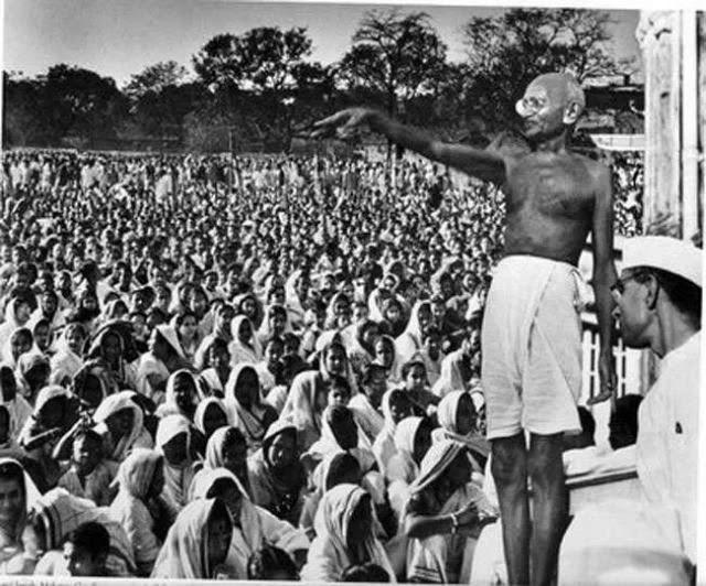 Biography Of Mahatma Gandhi :  महात्मा गाँधी का जीवन परिचय